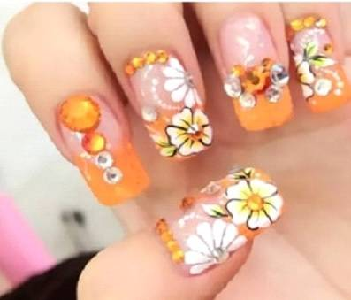 Nail design of spring flower with rhinestone