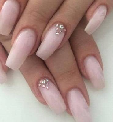 Nail design with diamonds