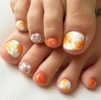 autumn toe nail designs