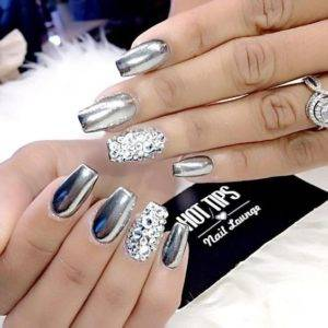 metallic diamonds nails