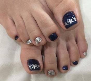 eye catching toe nails art
