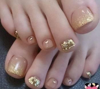 golden glitter design