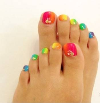 Rainbow toe nail design for fall