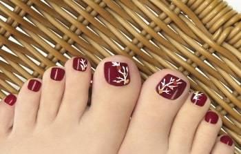 toe nail branch design