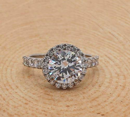 Can Moissanite Take the Position of Diamonds As An Engagement Ring